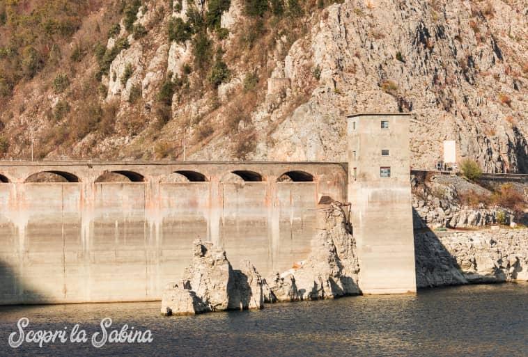Lago del Salto - La diga