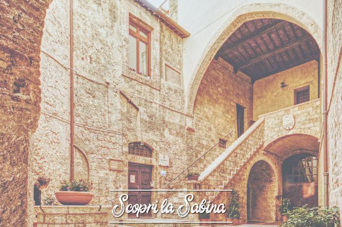 Palazzo Vescovile (o Palazzo Papale) - cosa vedere in sabina